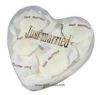 Petales de rose X60 Blanc neige artificiels JUST MARRIED en boite coeur