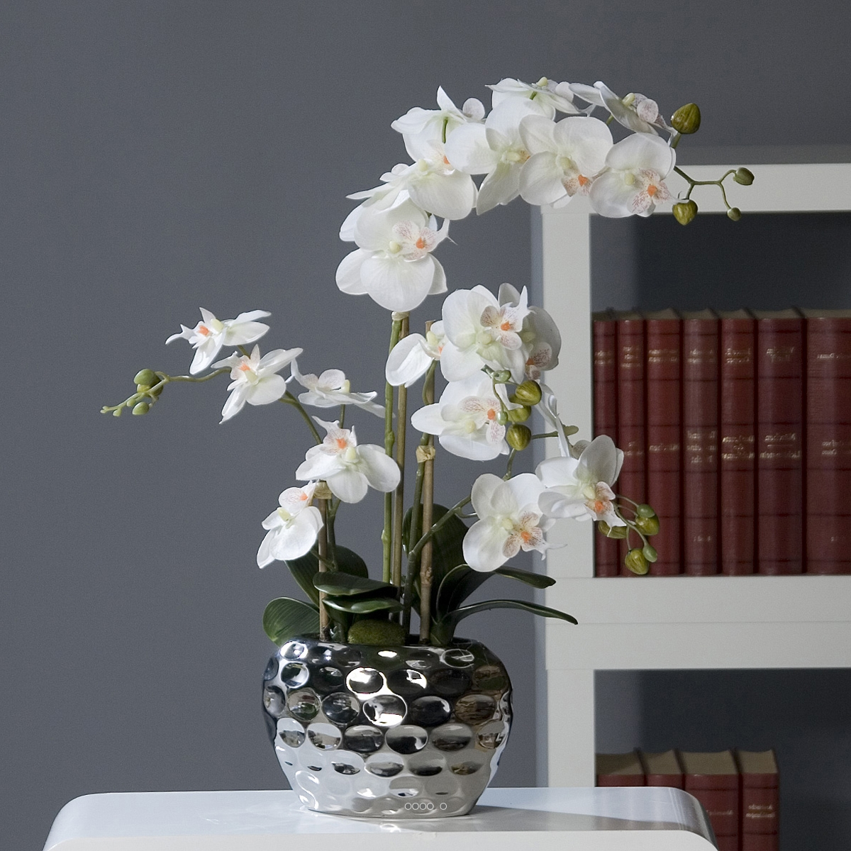 orchid e artificielle 2 hampes pot c ramique argent h 54 cm du site. Black Bedroom Furniture Sets. Home Design Ideas